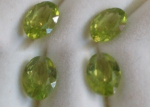 6.75x4.75mm, Peridot-oval