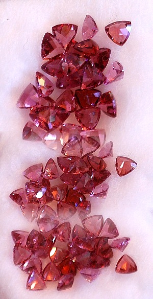 3 mm, Pink Garnet-trillion